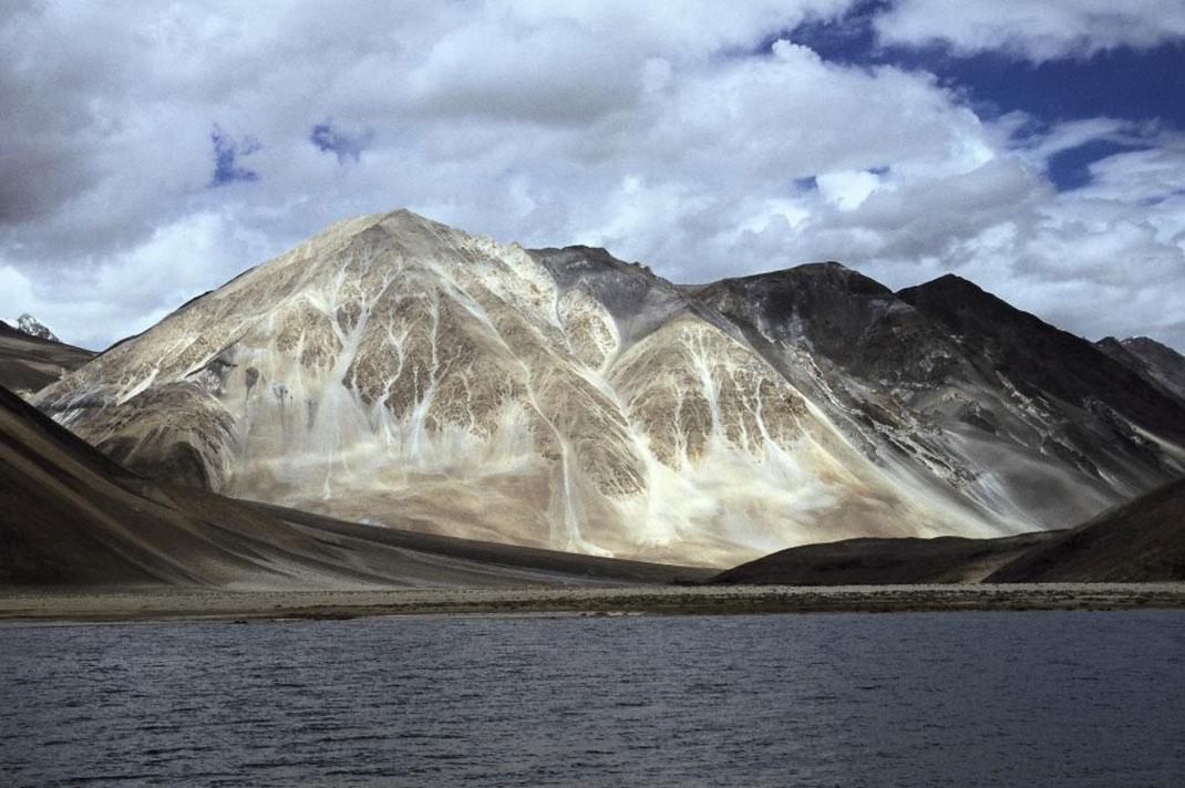 Lac-Pangong-Tso-2