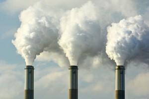Des usines polluantes via Shutterstock