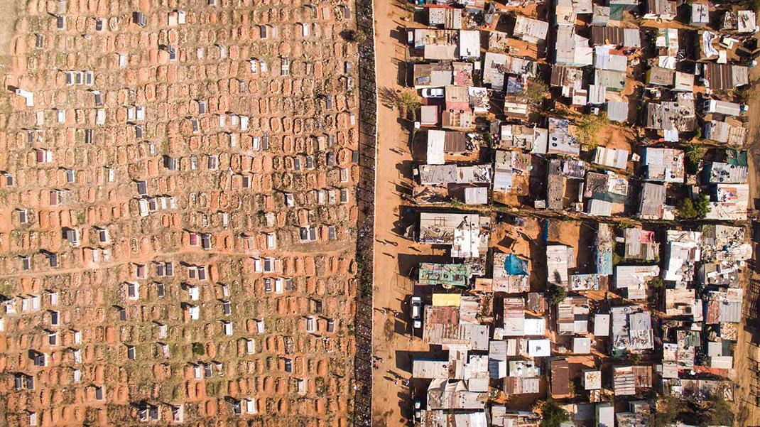 Cimetière Vusimuzi Mooifontein ©Johnny Miller