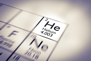 Focus sur l'hélium dans le tableau périodique des éléments via Shutterstock