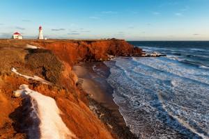 Une des côtes des îles de la Madeleine via Shutterstock
