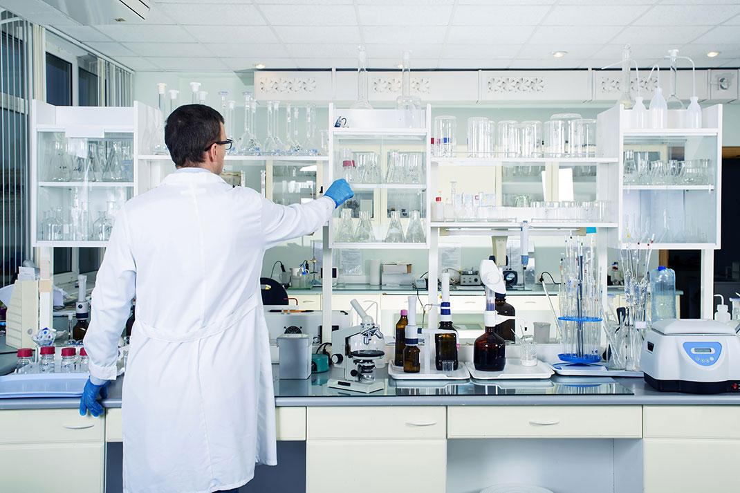 Un laboratoire via Shutterstock