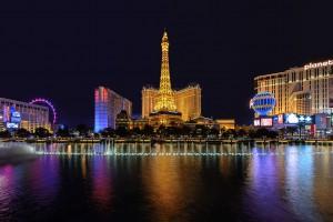 Une nuit à l'hôtel Paris Las vegas par Lucky-photographer via Shutterstock