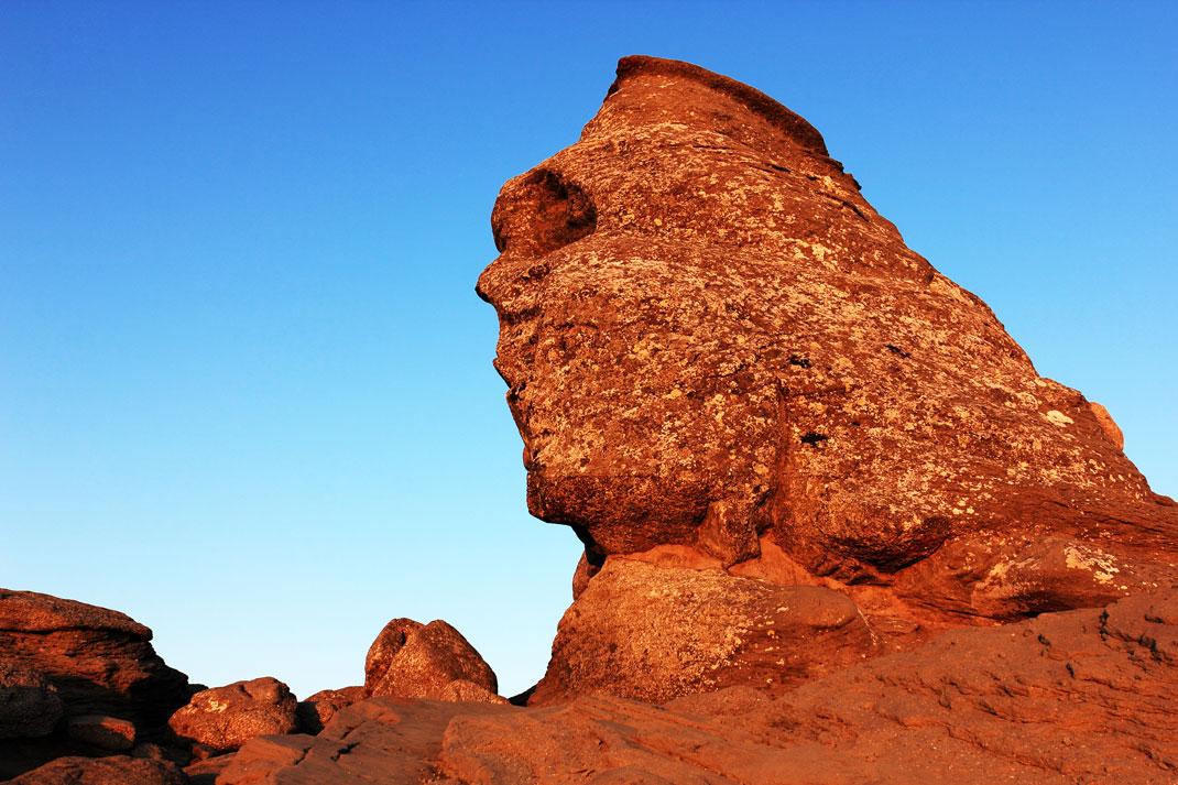Les couleurs chatoyantes du sphinx des Bucegi via Shutterstock