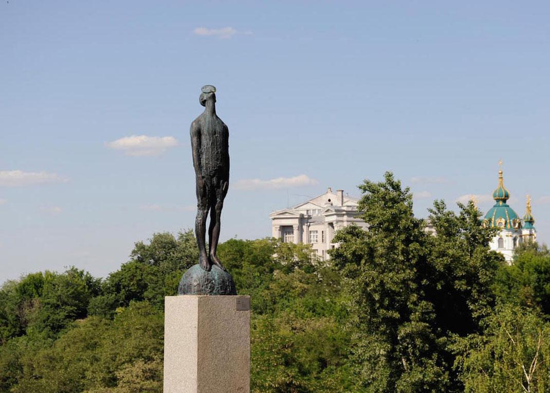 statue-incroyable-1