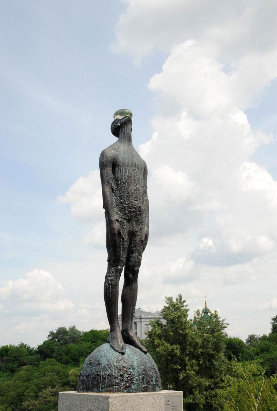 statue-incroyable-2