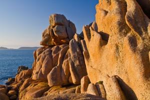 La Côte de granite rose via Shutterstock