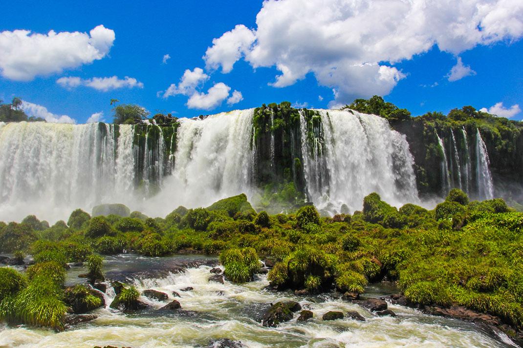 Les chutes d'Iguazu via Shutterstock