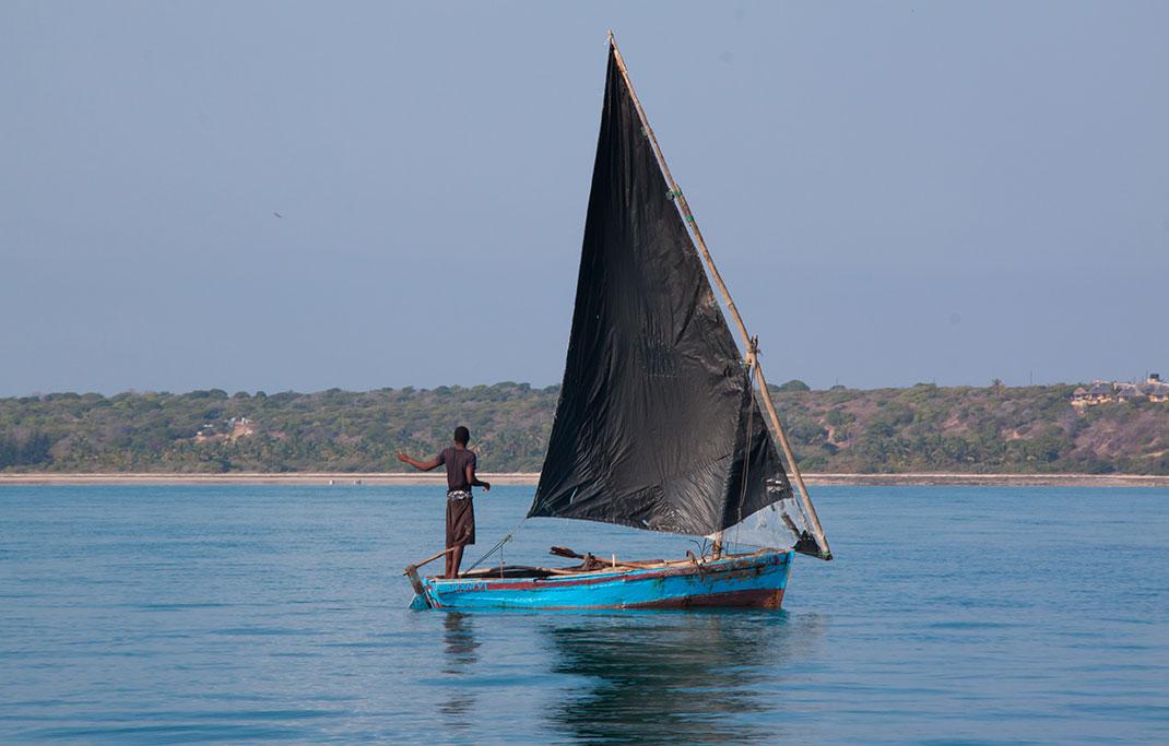 Un bateau traditionnel via Shutterstock