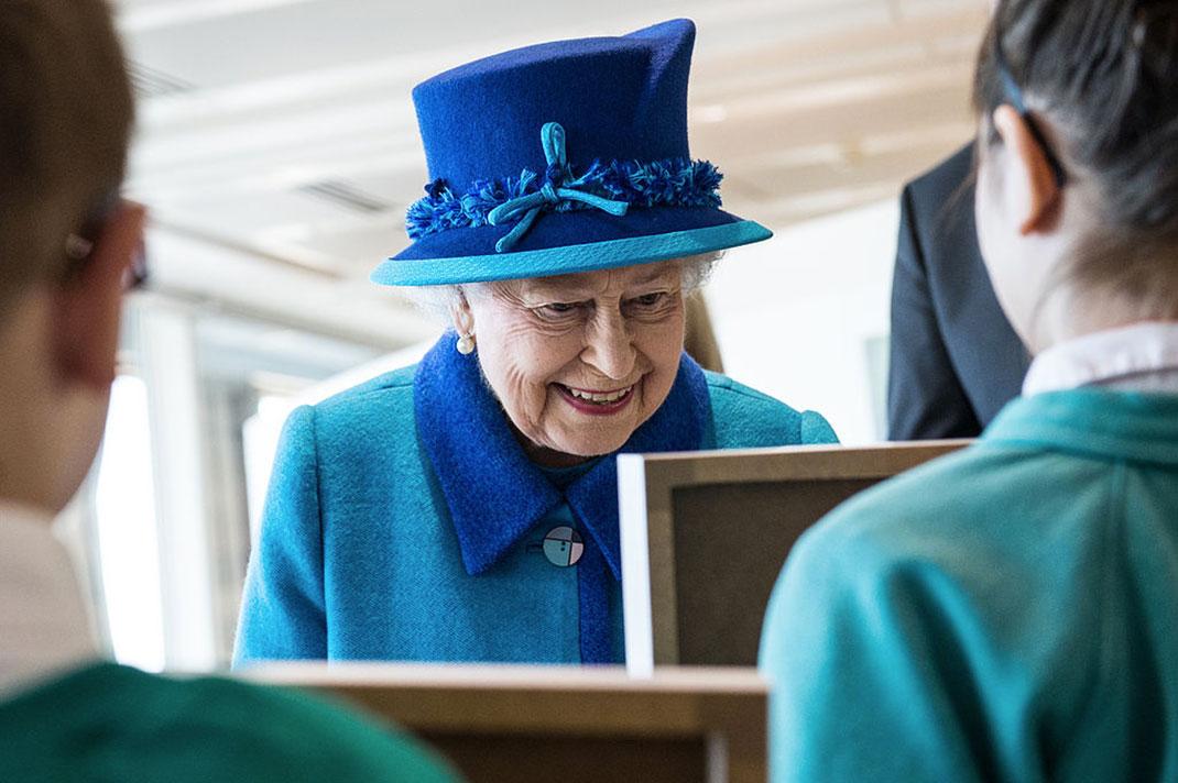 Elizabeth-II-(1)