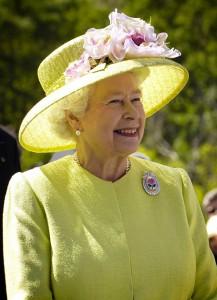 Elizabeth-II-(2)
