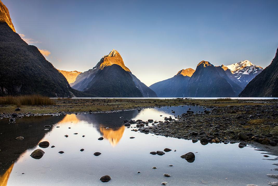 Milford Sound, Nouvelle-Zélande via Shutterstock
