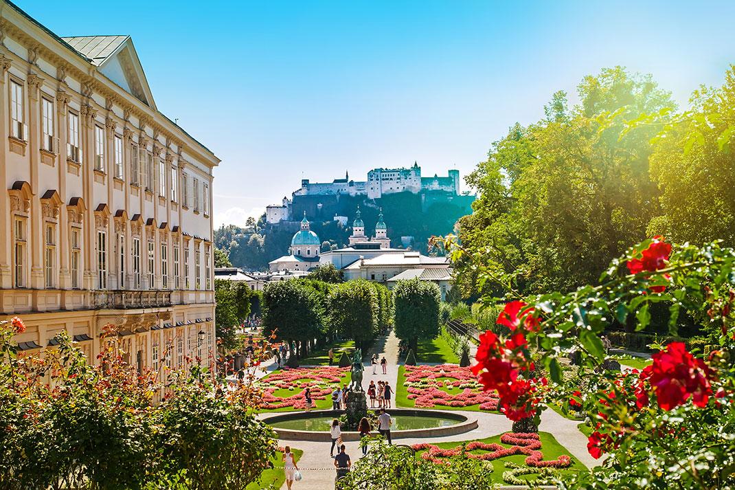Jardin Mirabell à Salzbourg via Shutterstock
