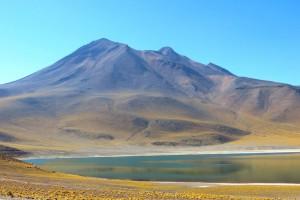 Le Altiplanic Lagoons au Chili via Shutterstock
