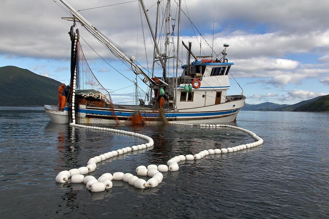 Bateau de pêche via Shutterstock
