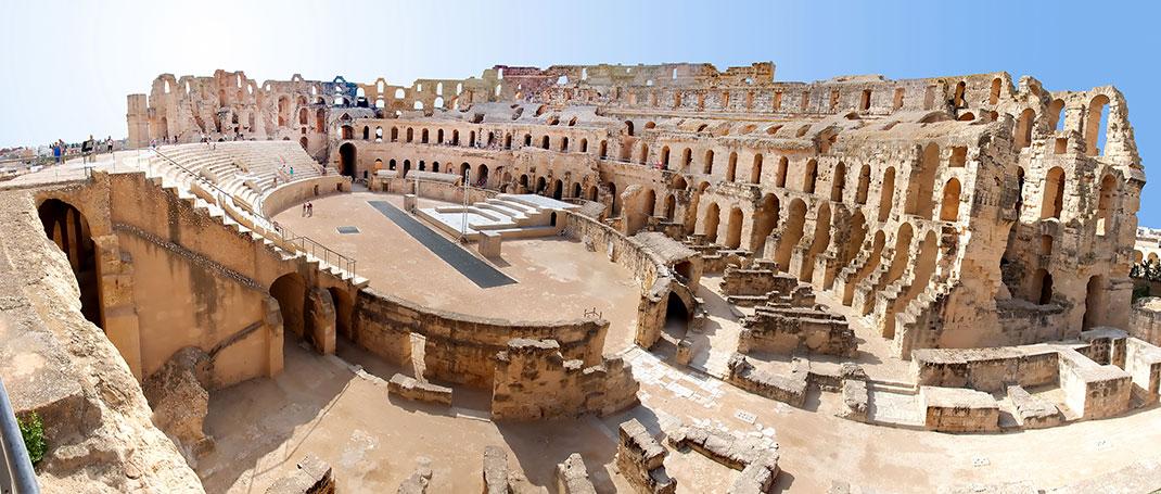 L'intérieur de l'amphithéâtre d'El Jem via Shutterstock