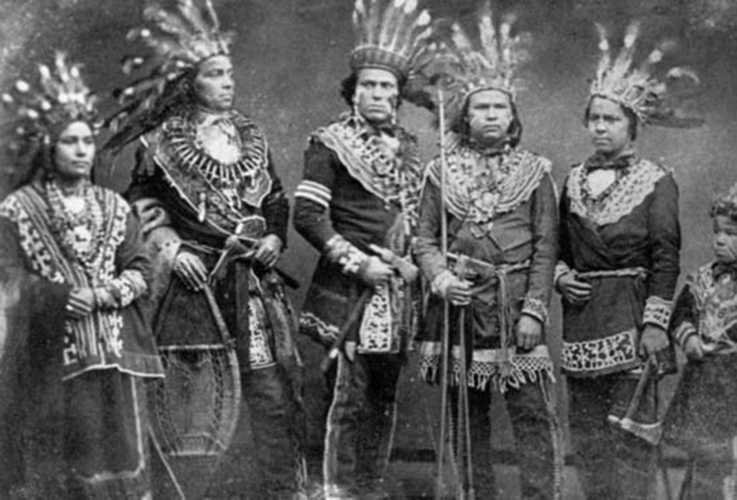 5 chefs ojibwés au XIXe siècle via Wikipédia