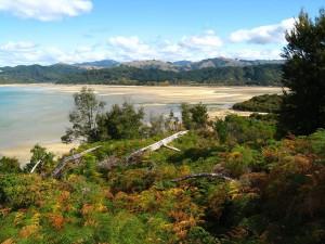 Une vue du parc national Abel Tasman via Wikimédia by Hector Garcia