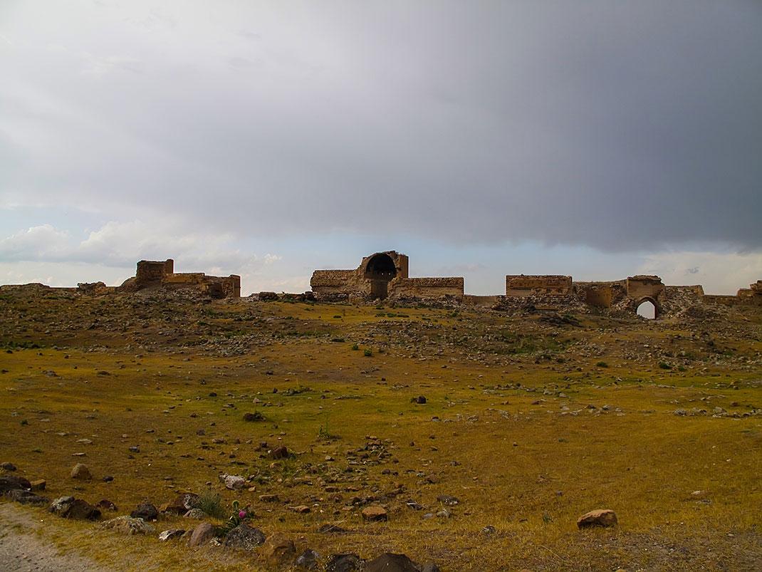 Ani, ruines via Shutterstock