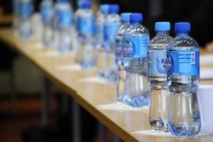 Des bouteilles d'eau