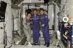 Femme-espace-1