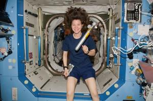 Femme-espace-2