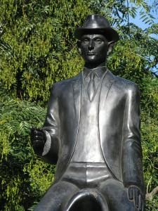 Franz_Kafka_statue_