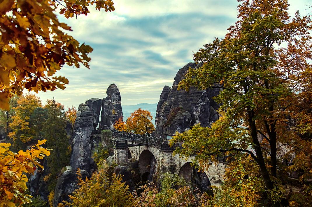 Les montagnes d'Elbe en Allemagne via Shutterstock