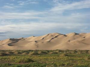 Les dunes de sable du désert de Gobi via Wikimédia by Zoharby