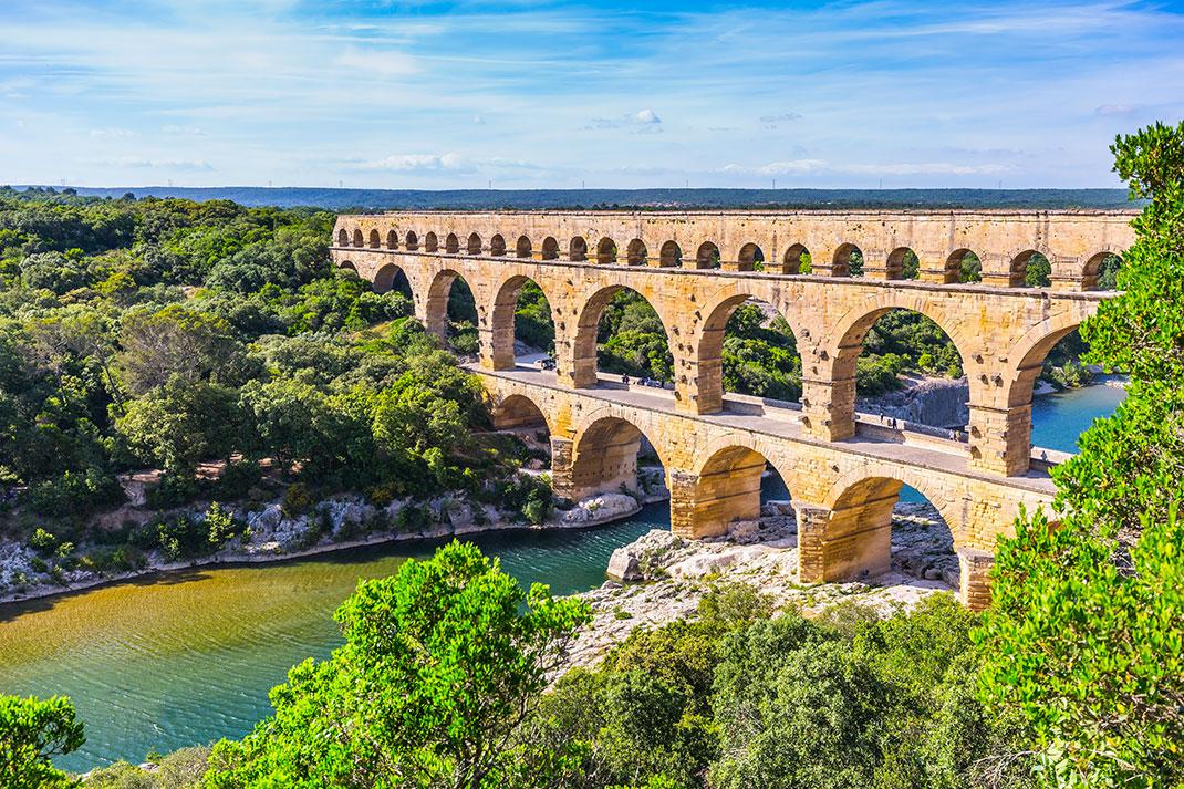 Le Pont du Gard via Shutterstock