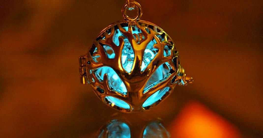 Bijoux Phosphorescent confectionnés à la main, ces bijoux phosphorescents vous