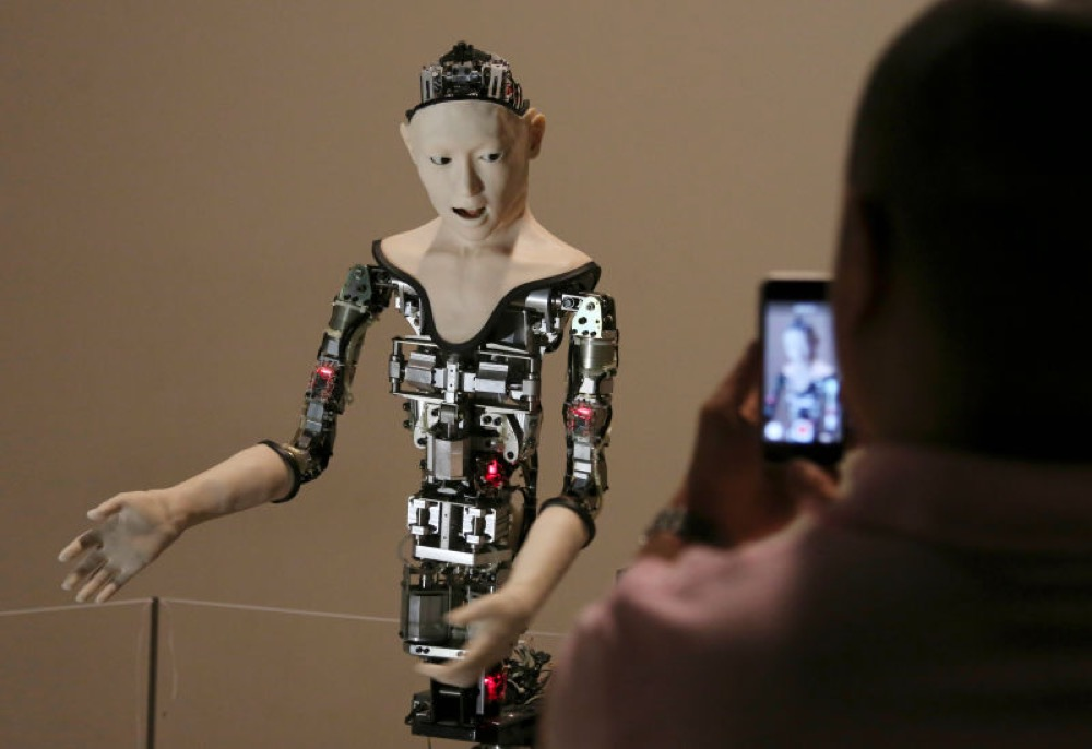alter-robot-reseau-neuronal