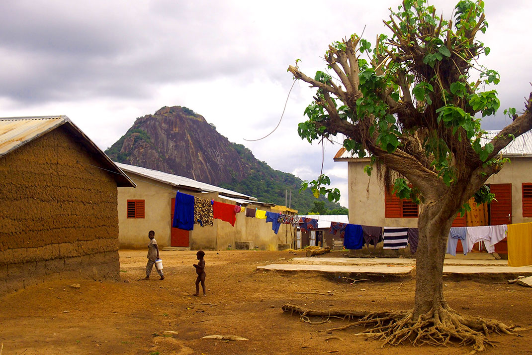 Le village d'Igbérè au Bénin ©Power:On