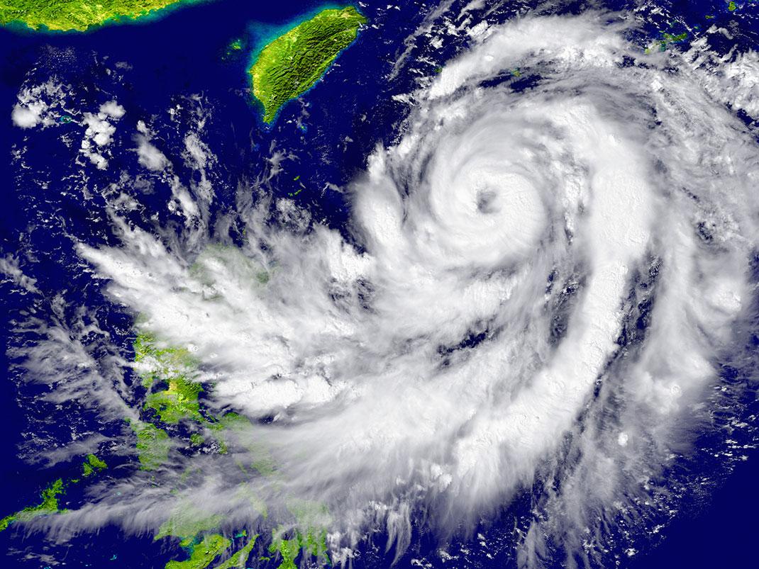 Un typhon en approche en Asie du sud-est via Sutterstock