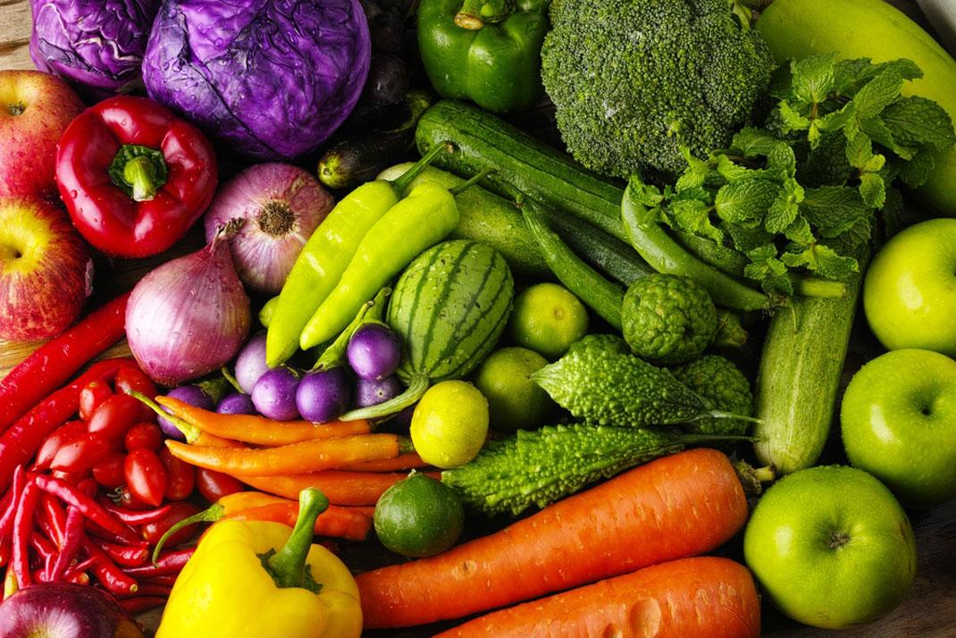 Des fruits et des légumes biologiques via Shutterstock