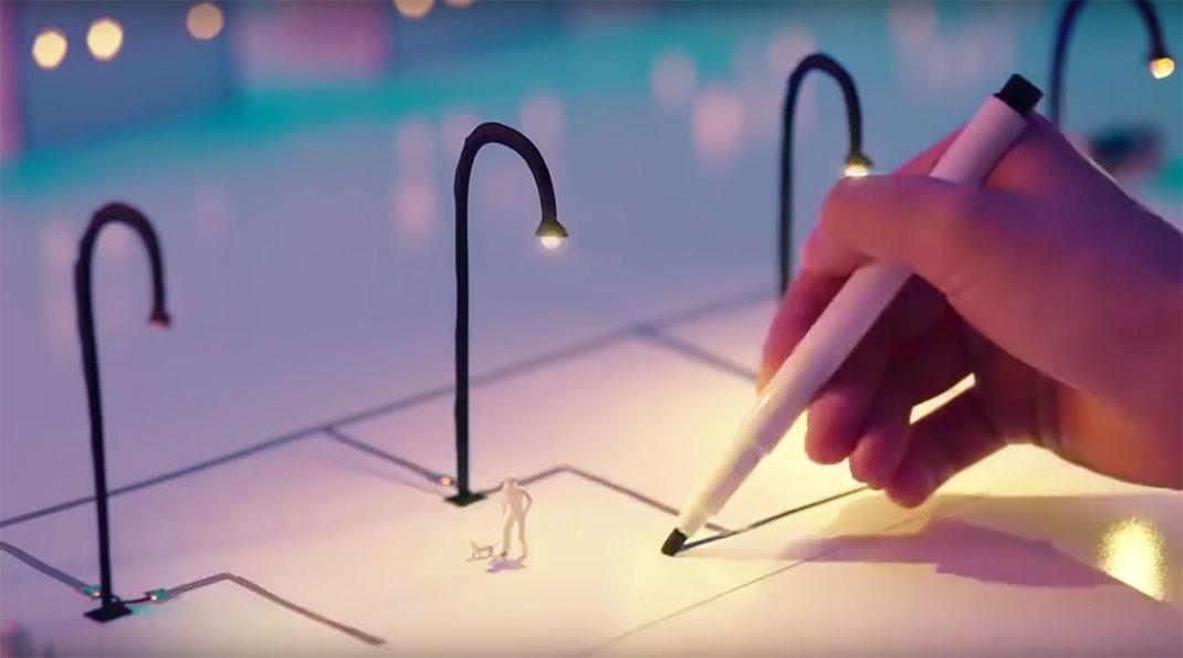 """Une ville prend vie grâce à ce stylo """"magique"""""""