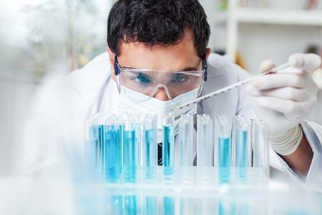 La recherche sur les antibiotiques est trop risquée en terme de retour sur investissement pour les laboratoires pharmaceutiques via Shutterstock