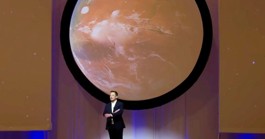 Elon Musk lors de sa conférence