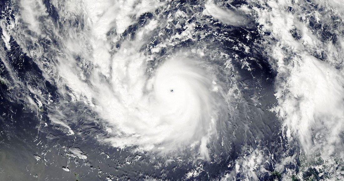 une-typhon