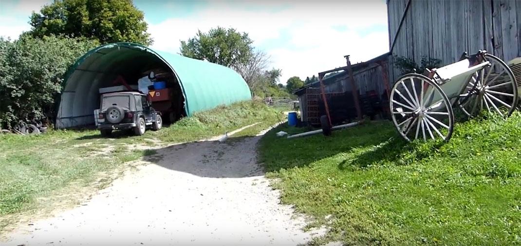 La Farmhouse Garden Animal Home. Image prise sue la chaîne She Goes Banana (Youtube).
