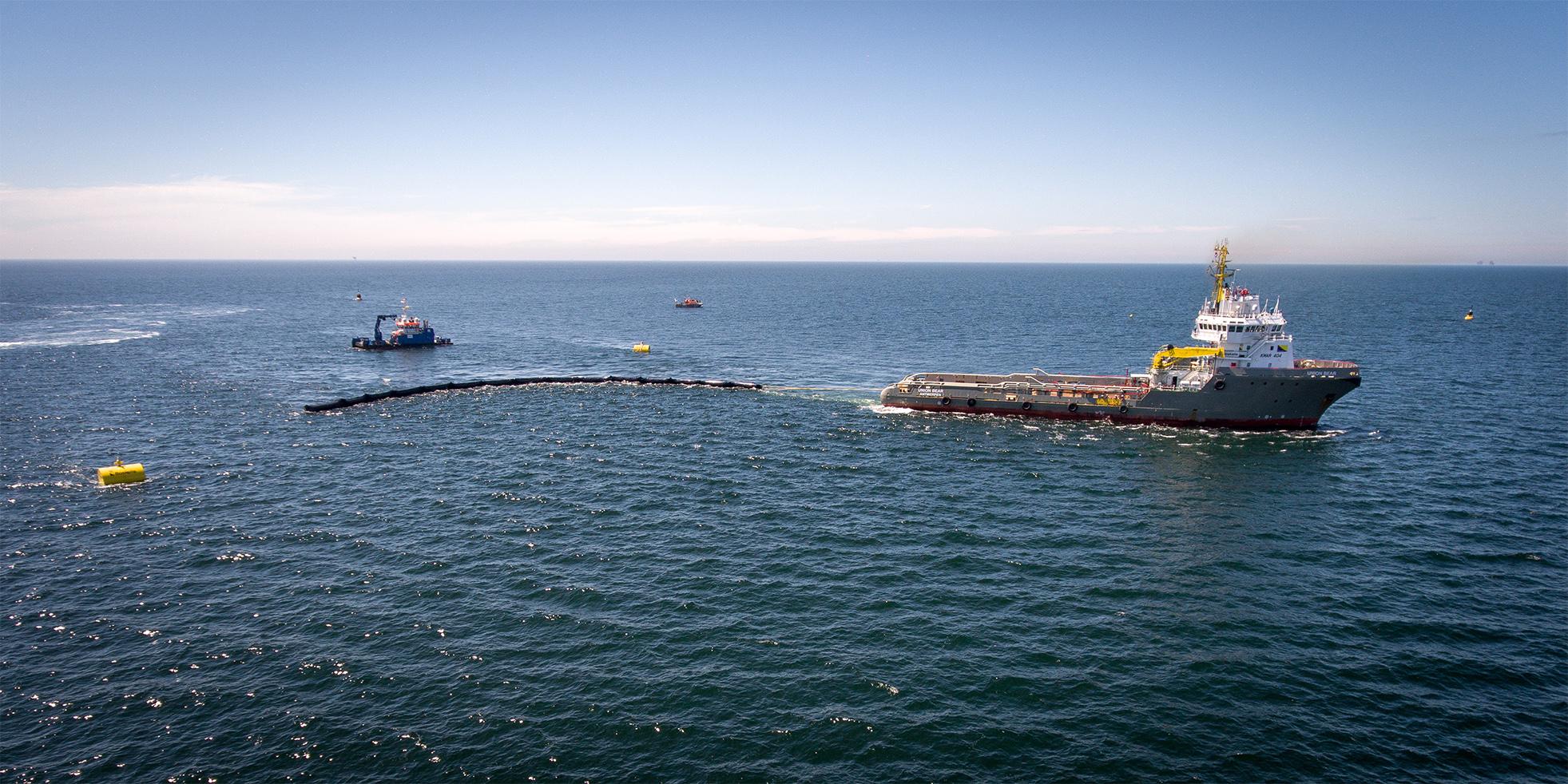 Un des bateaux de The Ocean Cleanup