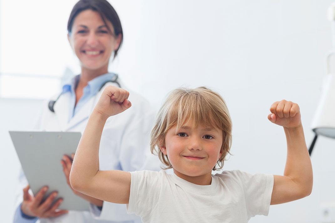 Un enfant à l'hôpital via Shutterstock