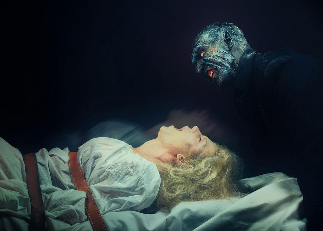 La paralysie du sommeil peut provoquer des hallucinations via Shutterstock
