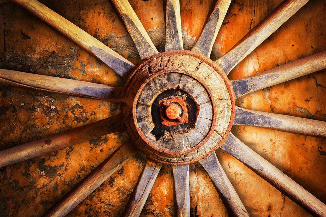 Une ancienne roue via Shutterstock