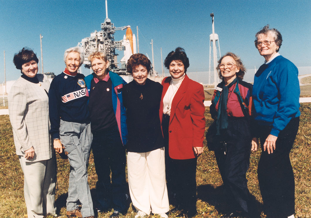 7 membres des Mercury 13 en 1995