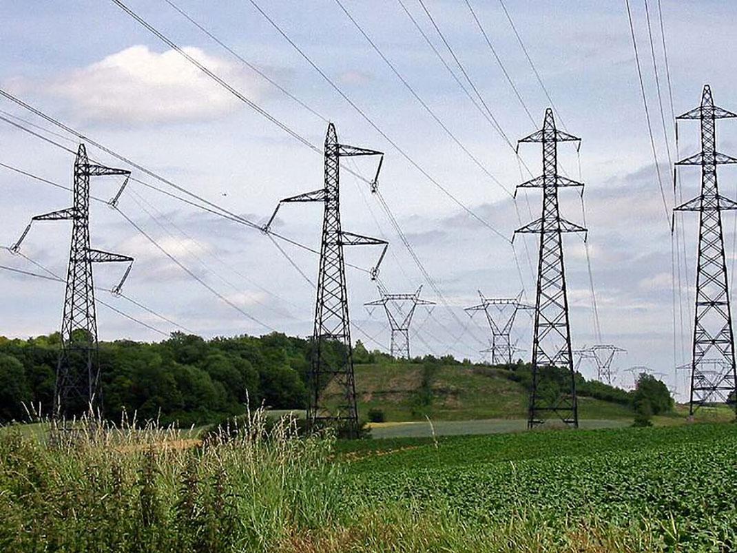 pylons_électriques_campagne