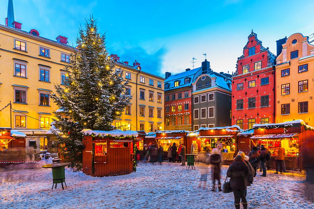Le marché de Noël de Stockholm via Shutterstock