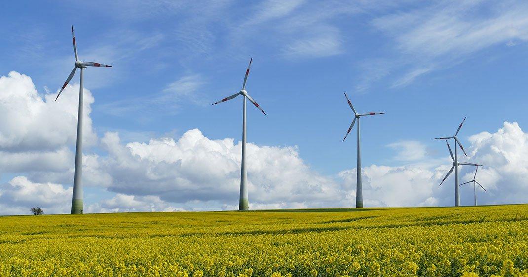 une-eolienne-energie-renouvelable-pologne