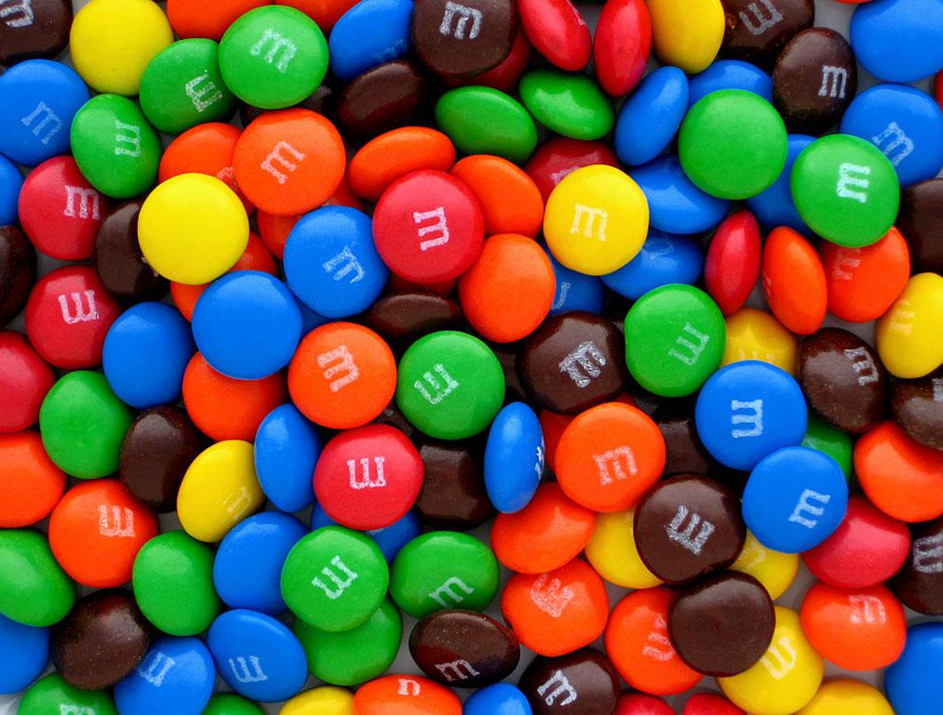 Un des composants des M&M's est l'additif alimentaire E171