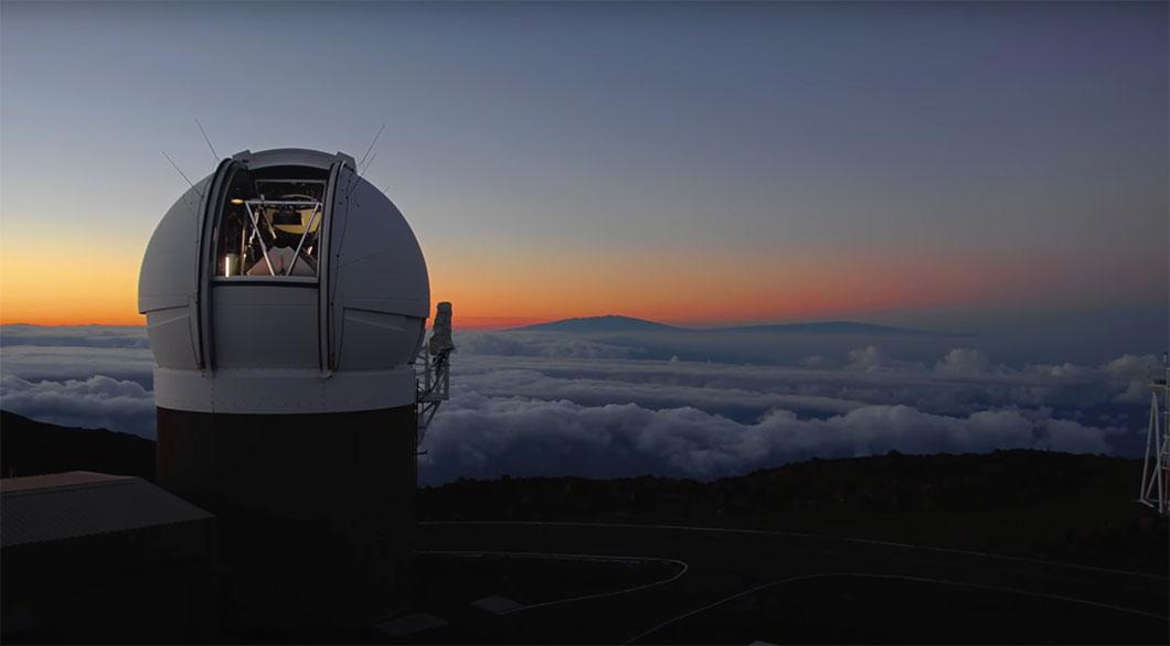 Le télescope Pan-STARRS en pleine étude du ciel...